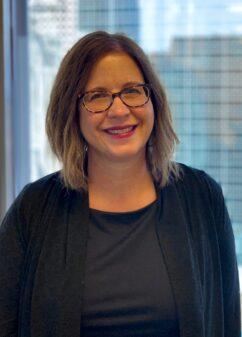 Lisa Winkler Headshot